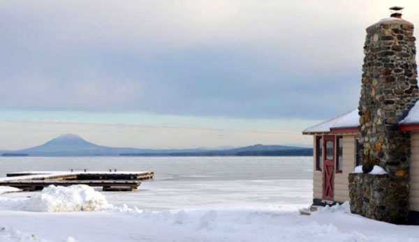 Winter friends of moosehead lake for Ice trek fish house